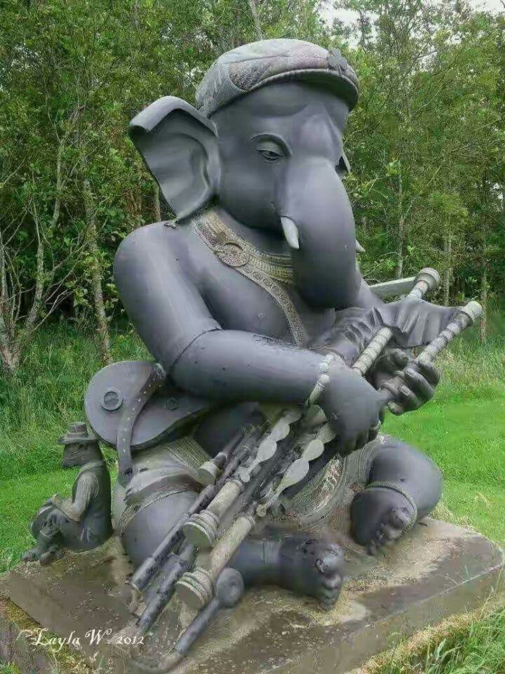 Ganapati Bappa Morya ☺A Ceoltais Ceolteorai Ganesh, sited in Co.Wicklow, Ireland, carved in Mahaballipuram, India