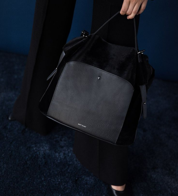 BAVA HANDBAG - Montreal brand Matt & Nat holiday collection. Velvet texture and dwell. Shop the bag at forevermlle.com