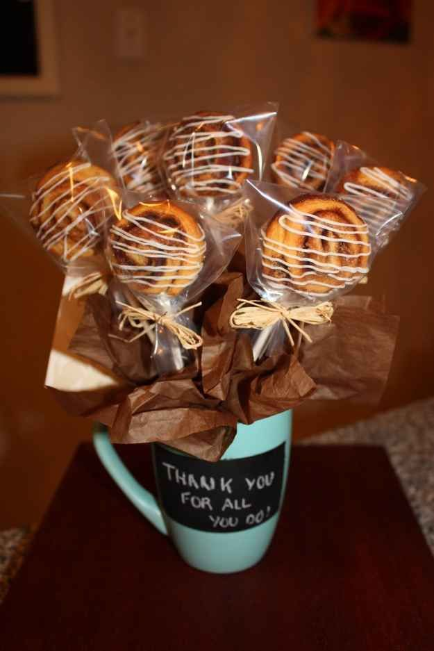 Cinnamon Bun Bouquet | 15 Easy Gifts You Can Put In A Mug