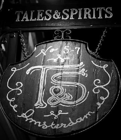 Just made reservations! Tales & Spirits, one of the best cocktail bars in Amsterdam, also serve excellent dinner bites | Tales & Spirits, Lijnbaansteeg 5-7 Amsterdam