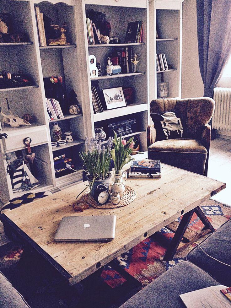 #placeforrelax #wood #industrial #vintage #retro #livingroom #coffeetable #table #oldchair #design