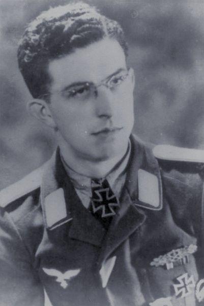 Leutnant Friedrich Bausch (1915-1971), Führer 3./Fallschirmpionier Batallion 5, Ritterkreuz 12.03.1945
