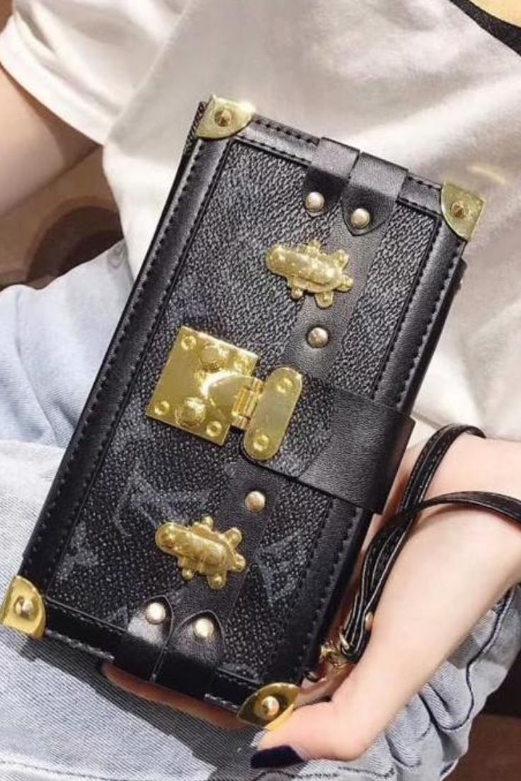 Louis Vuitton Inspired Wallet Case for iPhone. LV Monogram