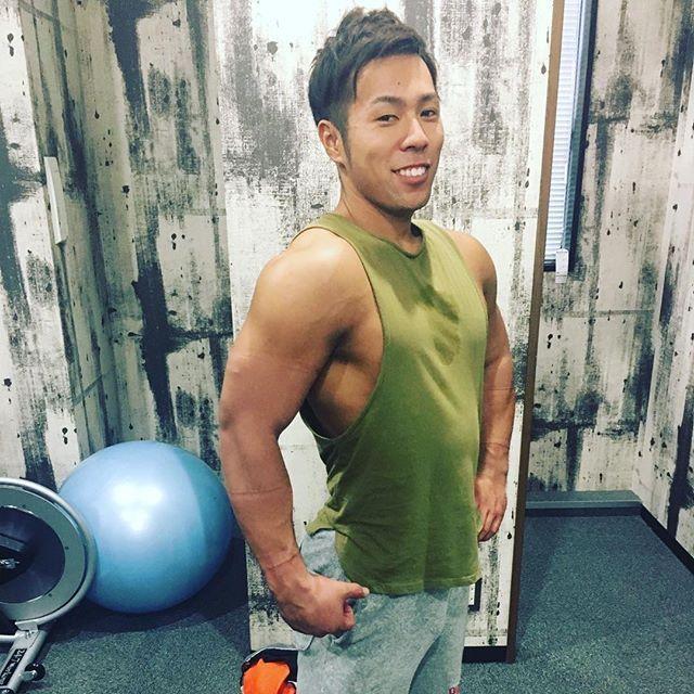 体パンパン(╹◡╹) カット無し、胸トレ後 体重は70キロ到達🍚  #インクラインダンベルプレス #ケーブルクロスオーバー #ダンベルベンチ #ベンチプレス #インクラインプレス #ダイエット #ボディメイク #筋トレ #physique #フィジーク #タンパク質 #jbff #ベストボディ #npcj #training #muscle #ボディメイク #サーフィン #ボディビル #肉 #大胸筋#増量