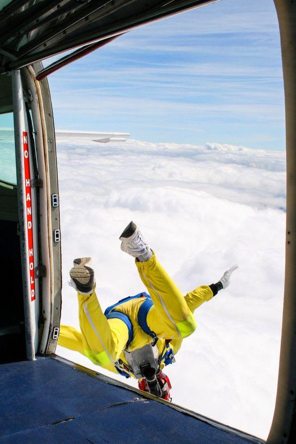 Skydiving, Abseiling, Sandboarding, Scuba Diving, Surfing, Sailing, 4WD, Hot Air Ballooning