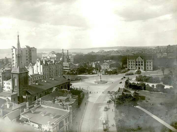 Queen's Square in Sydney in the 1930s.A♥W