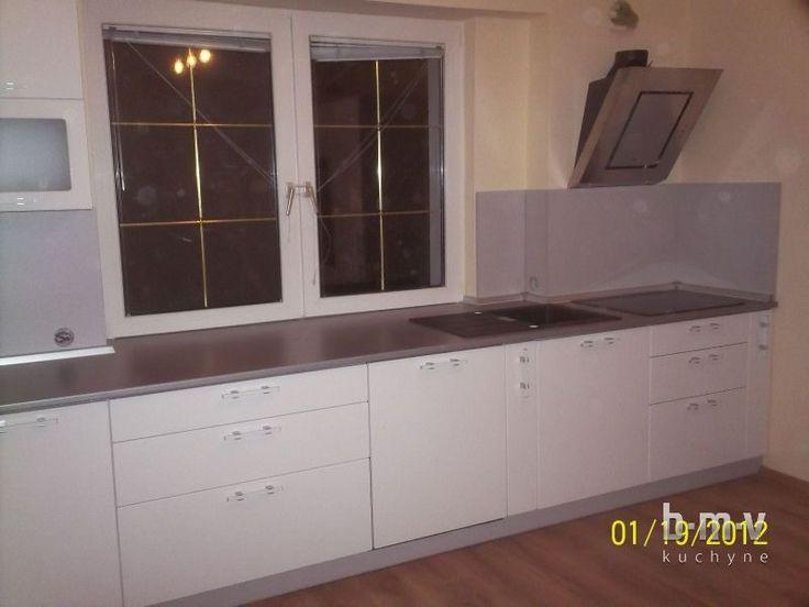 Biela kuchynská linka - BMV Kuchyne