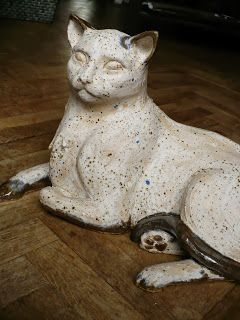 Дамы и господа, вот кошка Кошка все видят что. Актуальные были предназначены, но, как эмаль глазури нравится делать сюрпризы. Синие акценты здесь и там эффект неожиданным и удивительным.