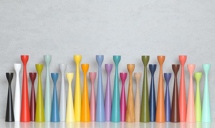 Die Rolf-Kerzenleuchter von Freemover in 27 verschiedenen Farben.