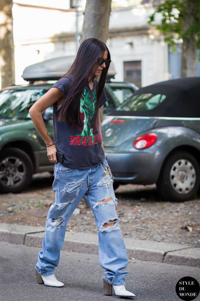 Rock star #GildaAmbrosio steals some inspiration from the boys. In Milan