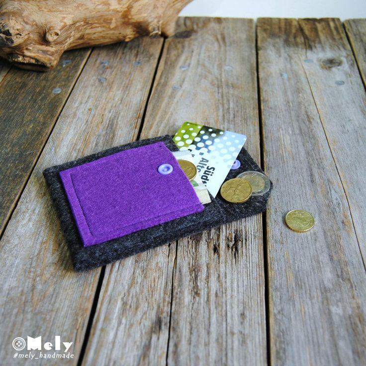 Piccolo portamonete/portatutto da borsa in feltro grigio scuro e taschina in feltro viola scuro di MelyHandmade su Etsy