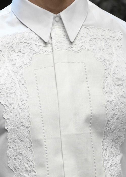 Embroidered white shirt (found on ana-rosa.tumblr.com) Zippertravel.com Digital Edition