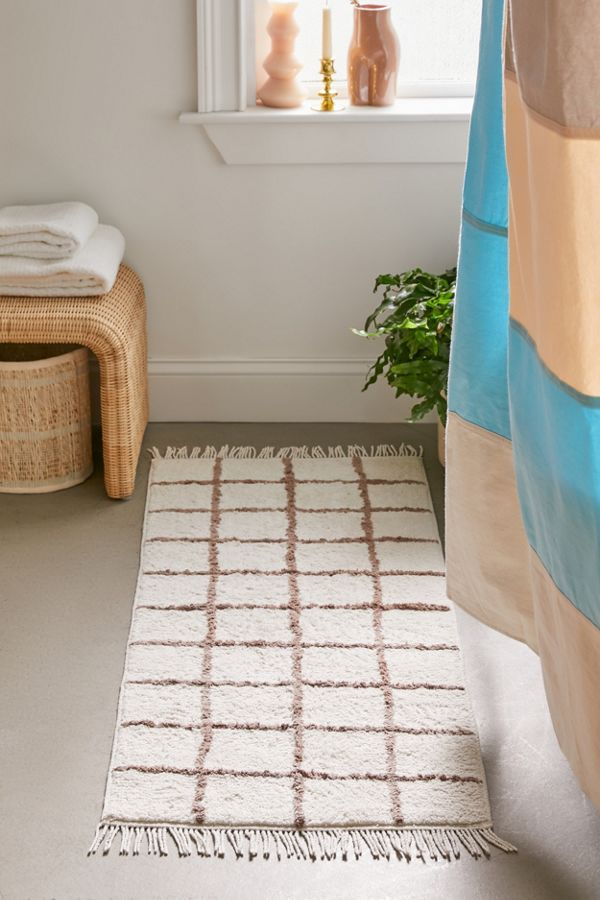 Wonky Grid Runner Bath Mat In 2020 With Images Bathroom Rugs