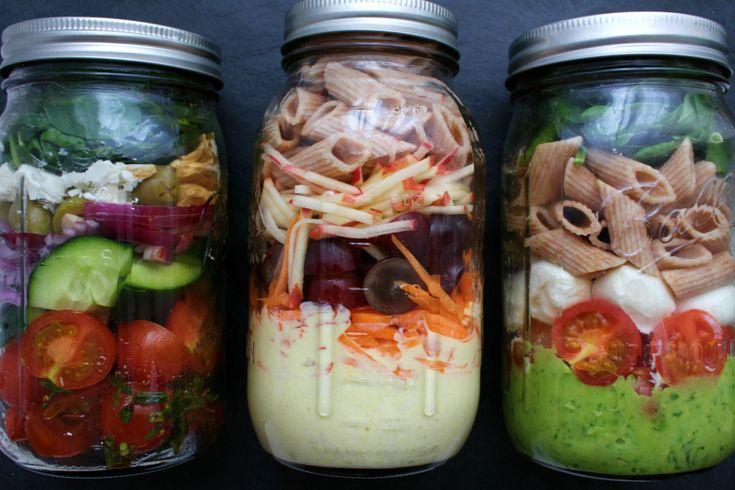 3x Salat im Glas zum Mitnehmen. Als gesunde Jause oder Mittagessen für Büro, Schule, Uni etc.