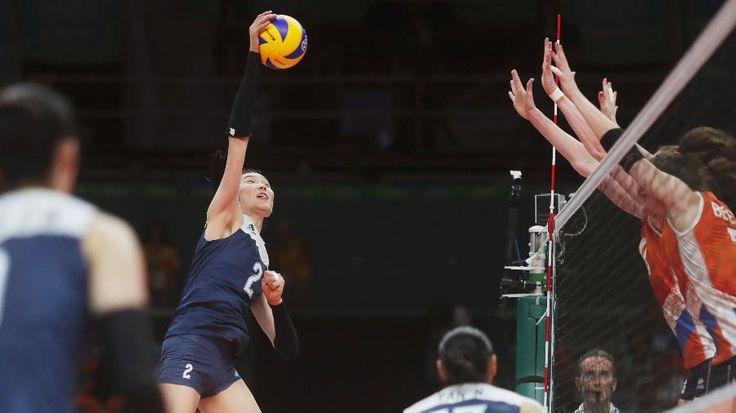 China passa pela Holanda e busca ouro no vôlei feminino contra a Sérvia