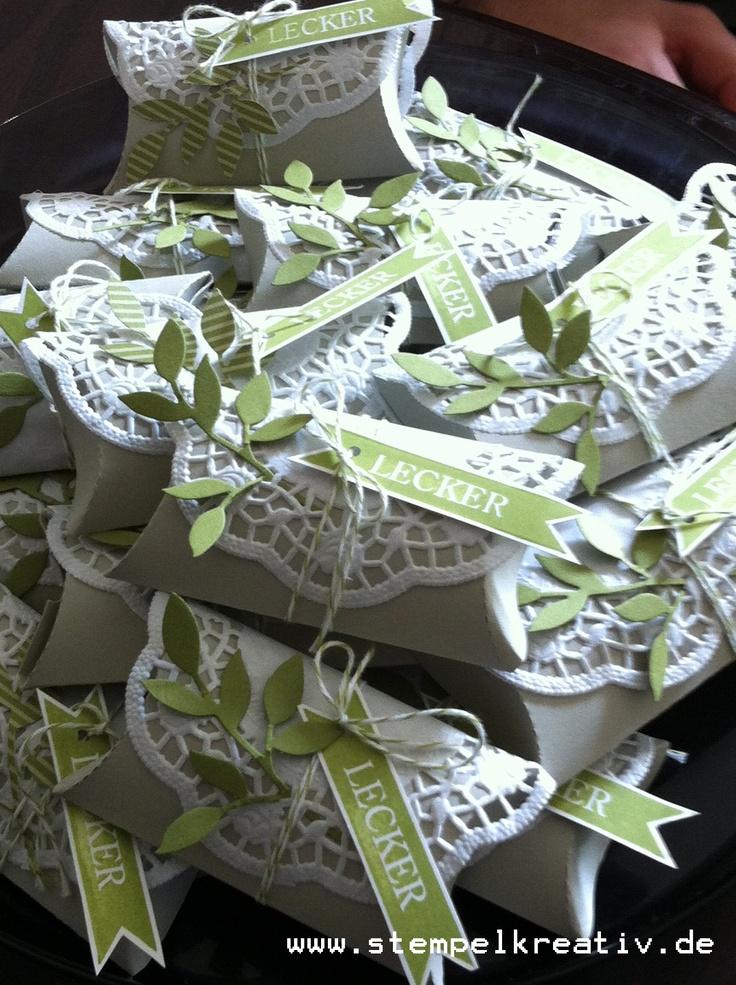 Wunderschöne #Gastgeschenke in den Farben der Hochzeit mit einfachen Stempeln und Stanzen
