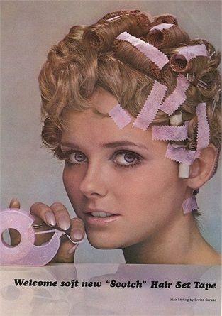 Vintage beauty: 20 invenzioni surreali sparite dal mercato - Rosa confetto e morbido era lo scotch che serviva a fissare ciocche e bigodini. VanityFair.it