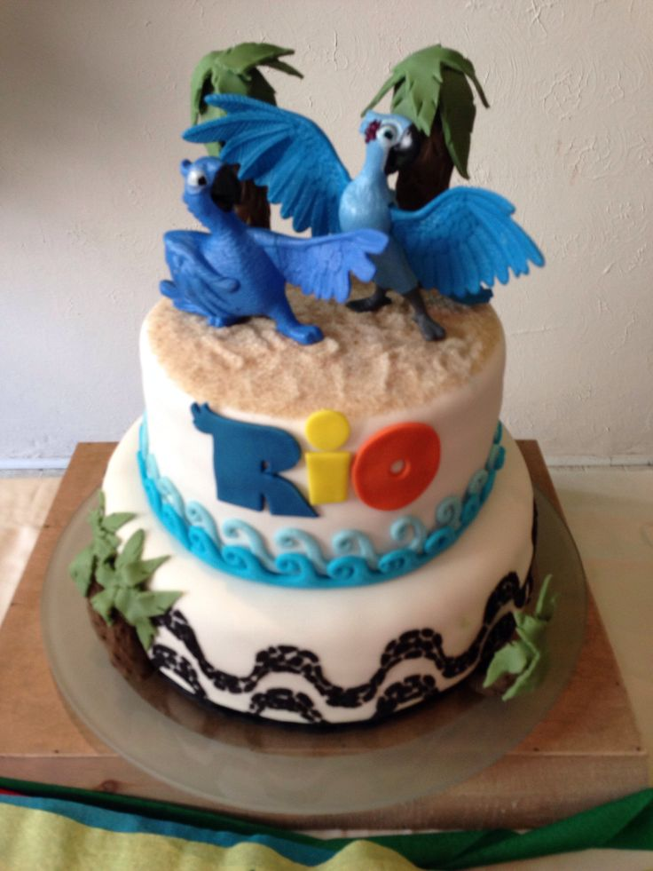 Birthday cake - Rio the Movie. Bolo de aniversario Rio o Filme
