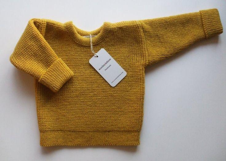 Baby/Children+lambswool+sweater+with+oak+buttons+von+Woolenfashion+auf+DaWanda.com