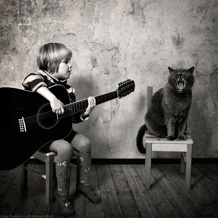 La fantastique amitié d'une petite fille de 4 ans et de son chat racontée dans une série de photographies
