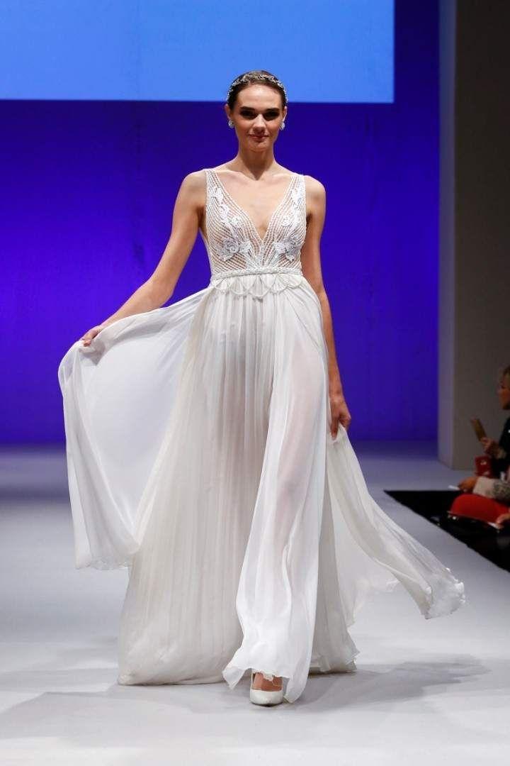 Luego de fabulosas presentaciones en el New York International Bridal Week, te mostramos algunas tendencias de vestidos de novia propias de diseñadores israelitas, que están dando la hora en el mundo.