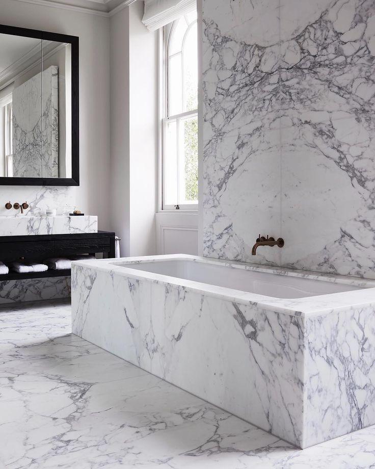 White Marble Master Bathroom Luxury Design Built In Tub White Marble Bathrooms Minimalist Bathroom Luxury Bathroom