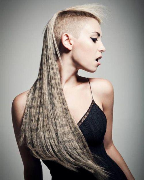 Graphic horizontal hair prints