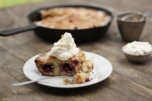 blackberry cornmeal cake. | Delicious Food | Pinterest