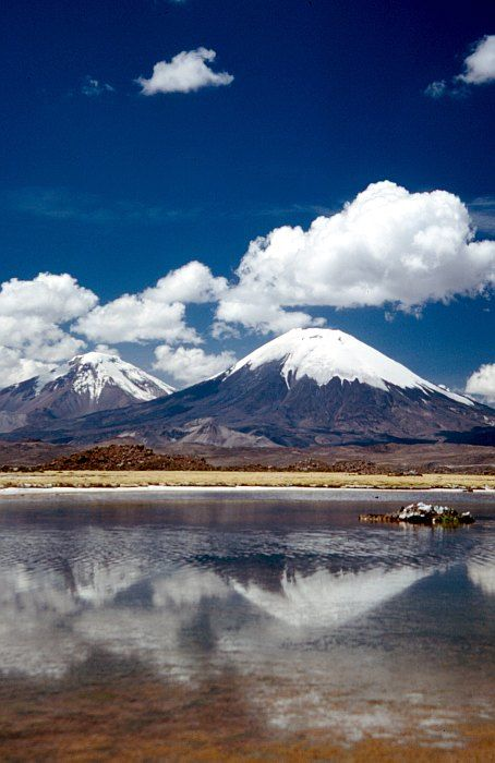 Volcán Parinacota,Parque Nacional Lauca, una maravilla en el altiplano chileno.