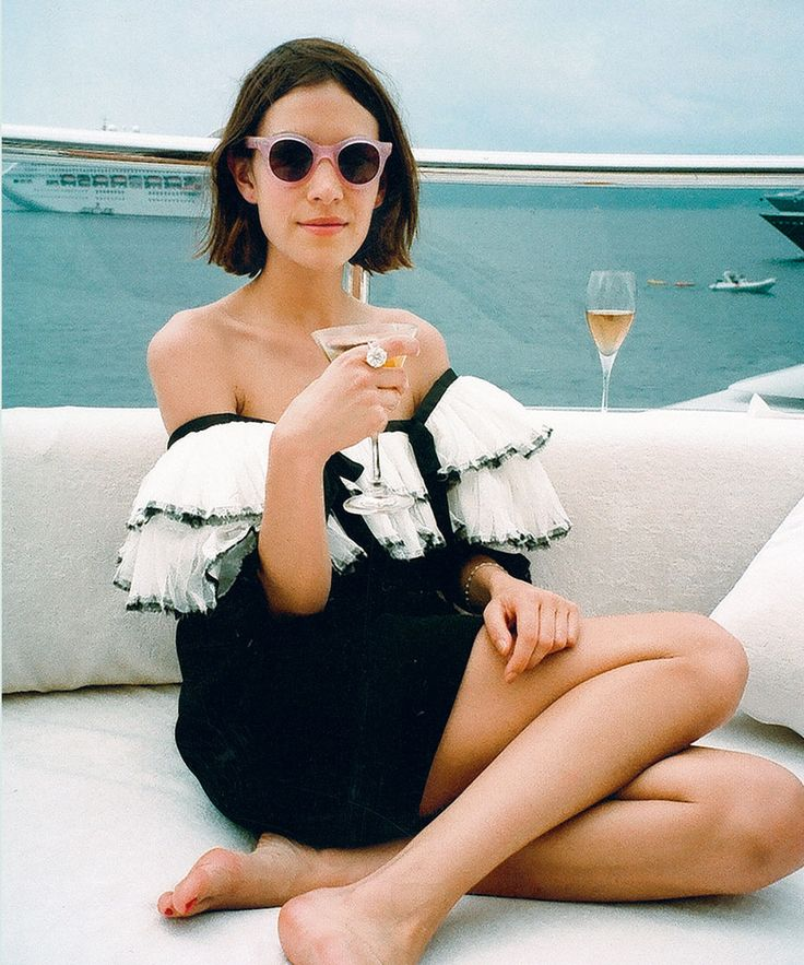 Alexa Chung: The Anti-It Girl. Recognise this from a page from 'it'