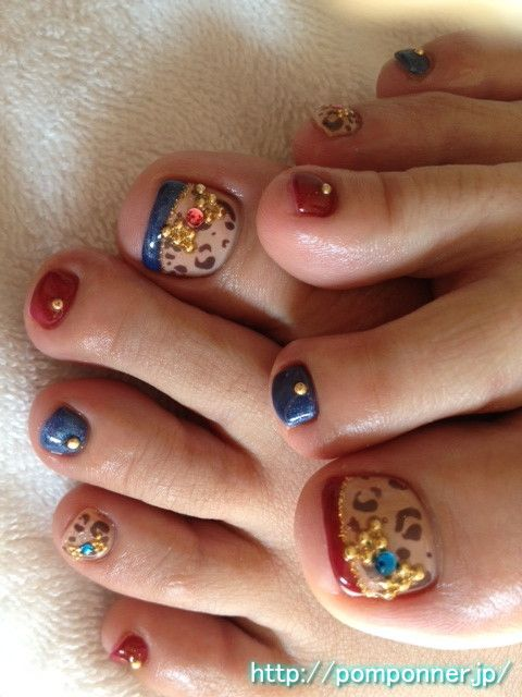 Foot nail leopard and French (with ribbon)