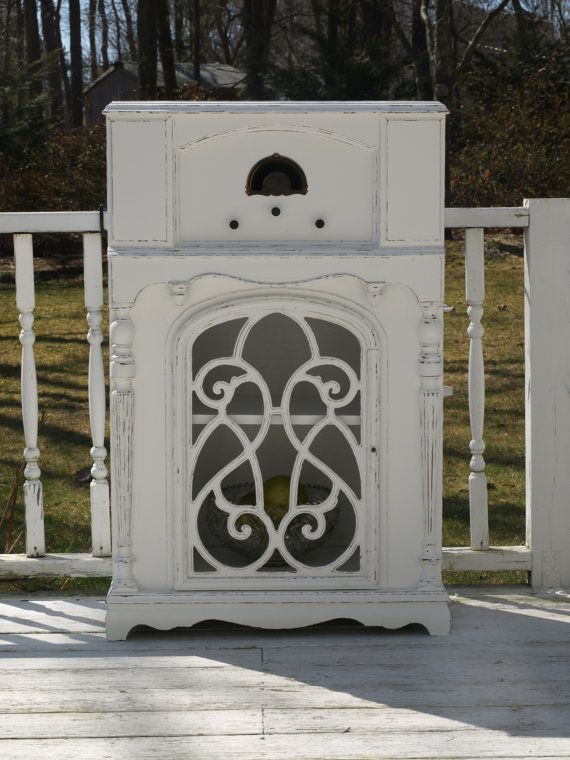 Old radio turned into a Shabby chic Cabinet via Etsy - 150 Best Radio Cabinets Images On Pinterest Antique Furniture