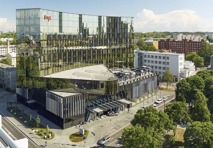 Hilton Tallinn Park Hotel on korkeatasoinen hotellli Tallinnan keskustassa. Se tarjoaa henkeäsalpaavat näkymät sekä Tallinnanlahdelle että Vanhaankaupunkiin. Hotellissa on 202 tilavaa huonetta (32 m²) moderneine mukavuuksineen sekä Executive-kerros ja -aula. Kaikissa huoneissa on mm. panoraamanäkymä. #hiltontallinnparkhotel #eckeroline #tallinna #tallinn