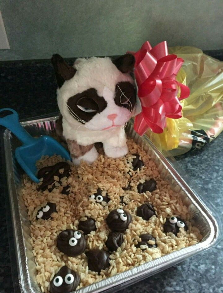"Made by @hellfinmagik - Cat poop fudge! Some of the ""piles"" are even made to look like emoji poop! (Photo copyright Emily E., 2016.) #CatBirthday"