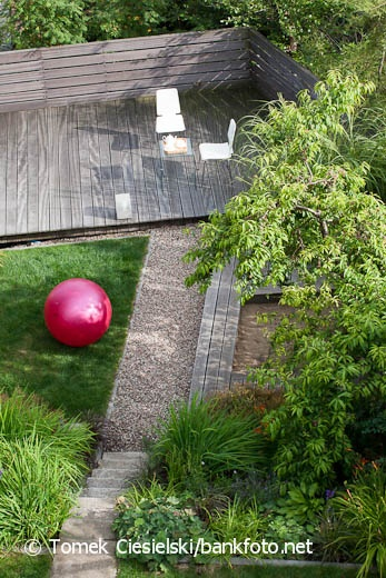 Modern garden design by Malgorzata Helman. Photo by Tomek Ciesielski