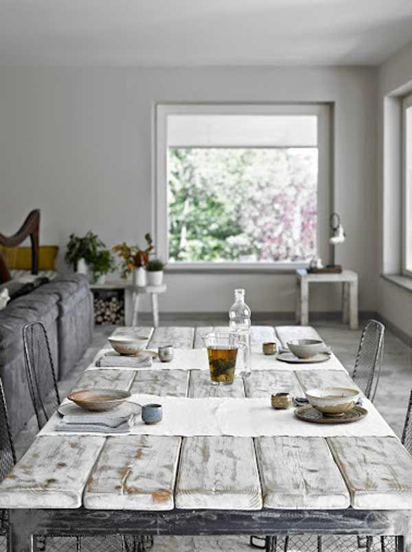 Tavolo da pranzo nel salone principale   Il richiamo del bosco