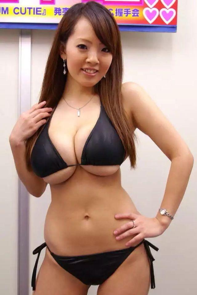 couple-sex-hitomi-tanaka-boods-sexy-mendes-having