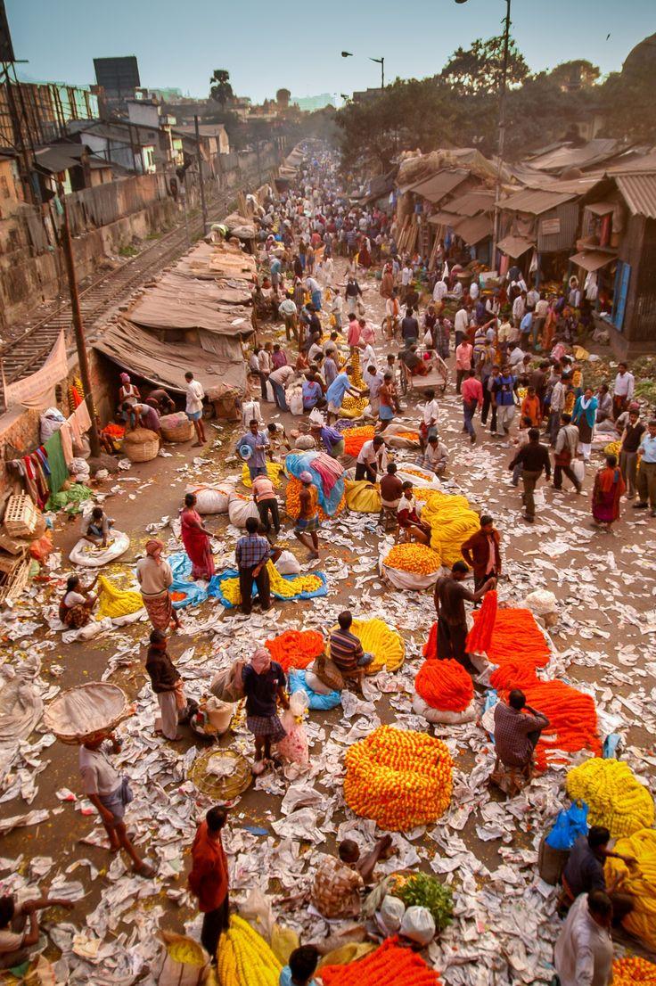 Market in Calcutta, India   by Carlos Leon Tejero