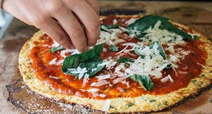Pizza sin gluten con corteza de Coliflor - Vida Lúcida