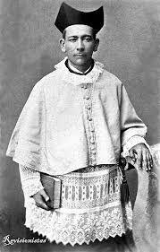 En su vejez el padre Brochero enfermó de lepra como resultado de convivir con enfermos que padecían esa enfermedad, compartiendo inclusive el mate con ellos. Por esa razón quedó sordo y ciego antes de morir, en 1914.
