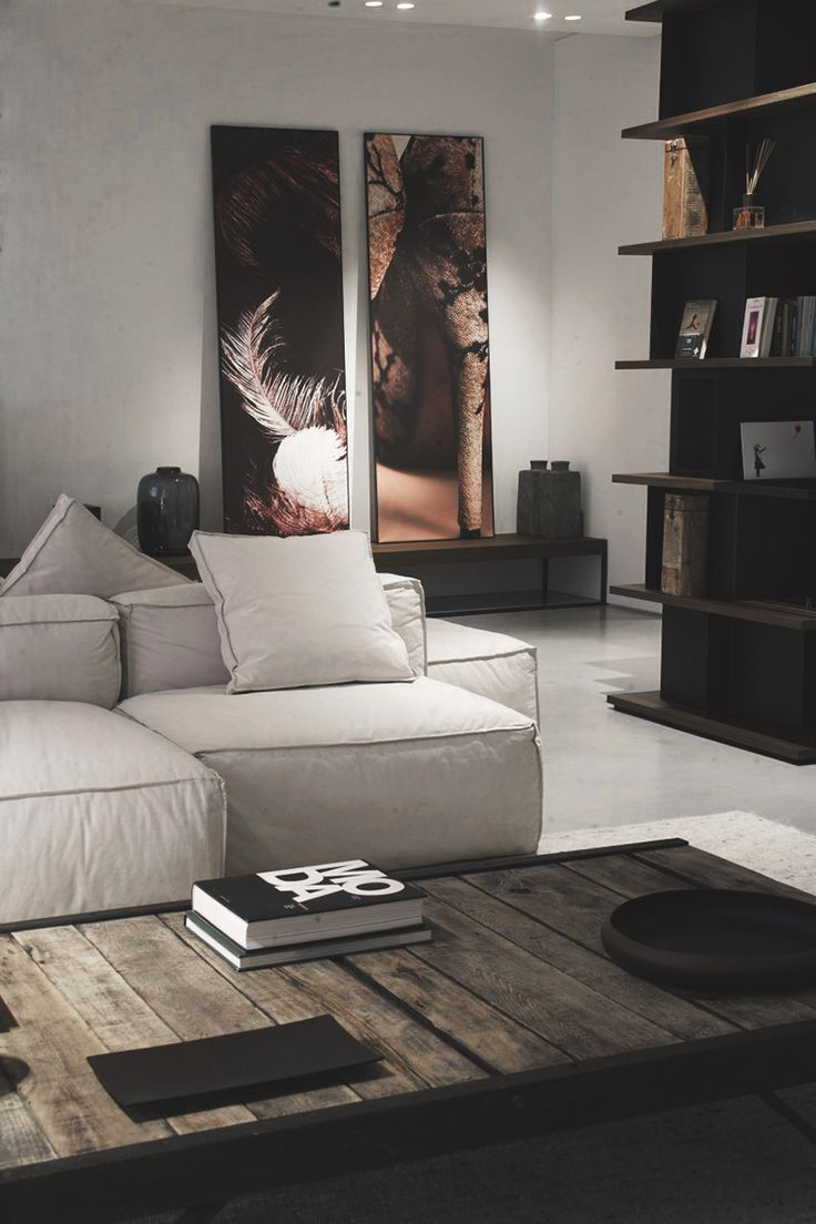Wohnzimmer Helles Sofa Dunkles Regal In 2020 Contemporary