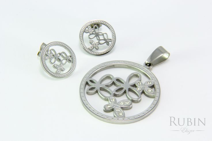Lepke motívumos nemesacél medál és fülbevaló szett cirkónia kővel  www.rubinekszer.hu
