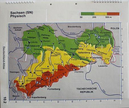 Sachsenkarte physisch mit Städten, Flüssen, Bergen