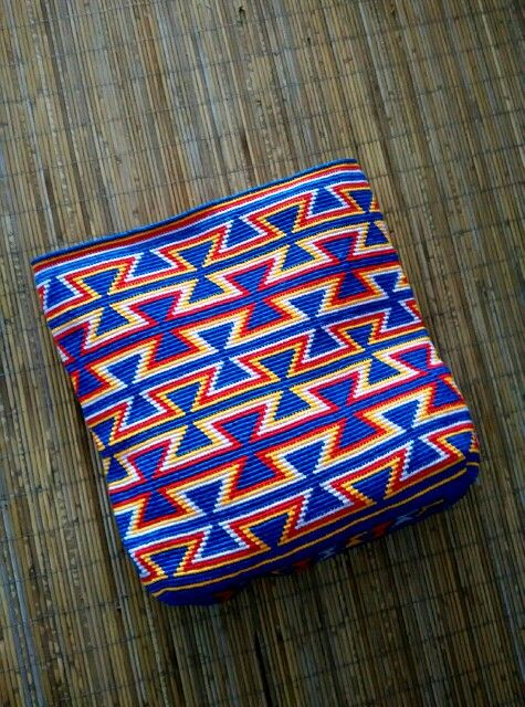 My first wayuu tote bag with leather handle. Handle still in progress.
