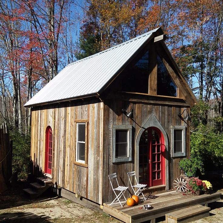 Beautiful new custom built cabins for sale…13'x20′ with 10′ side walls. From floor to ridge beam is 16′ tall giving it a big open feel. Absolutely unique, built using a combination of new materials; framing, insulation, windows, etc & reclaimed materials to give them an inspiring look & feel.  Comfortable staircase leads to generous…