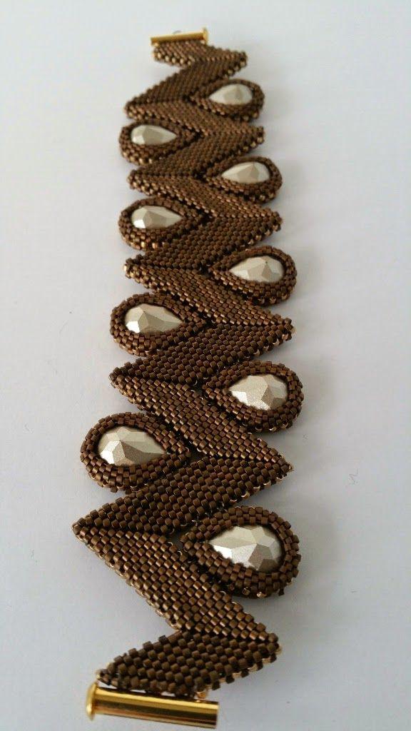 DamnedHalo's Beading Babble: Golden Chocolate Rick Rack Bracelet