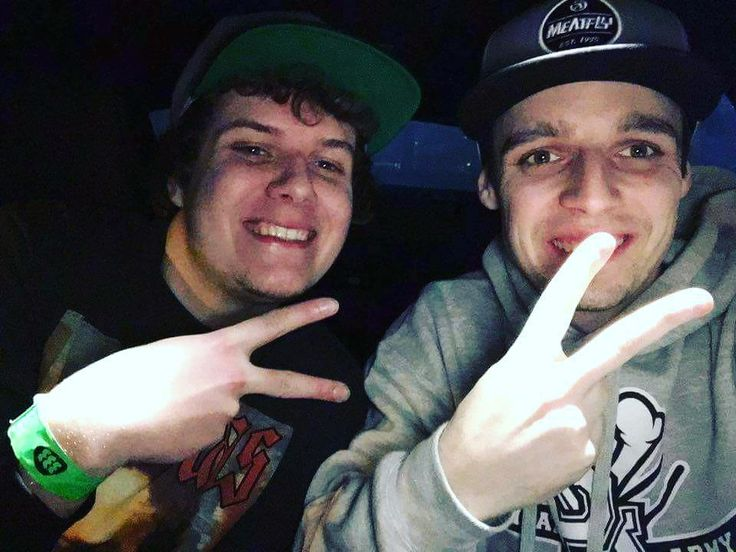 To bolo radostisom rád že som spoznal takého Pána Dja a top človeka @djluckyboy #rolemodel #selfie #mercedes #turntablism #djs #deejay #dj #snapback #luckyboy #dms #333 #prievidza #club333 #technics #smile #drunk #vodka #drank #benz #peace #boys #homies #party #night #club #tagsforlikes by jakub_triplep http://ift.tt/1HNGVsC
