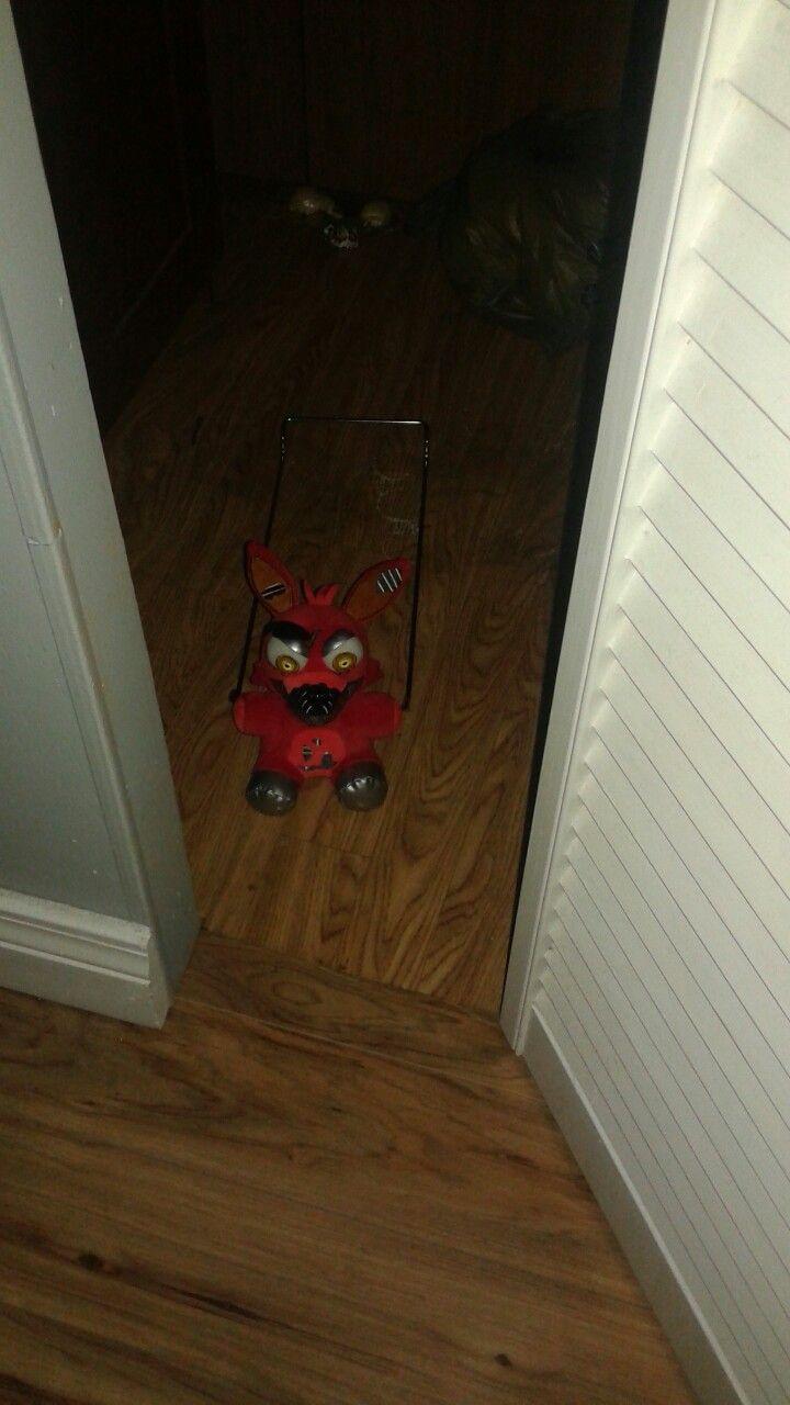 Nightmare Foxy Plush In The Closet... Yeah, I'm Not
