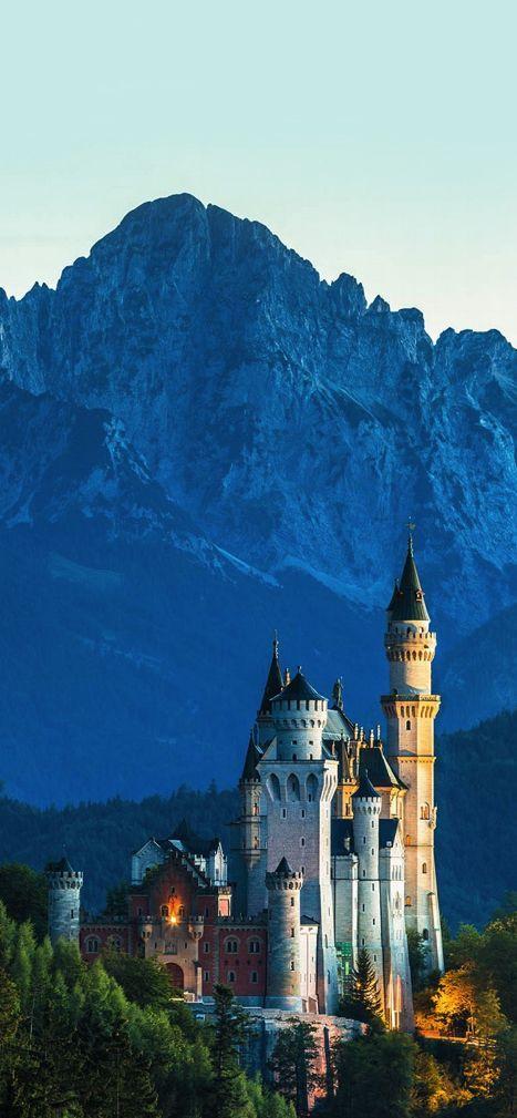Neuschwanstein Castle, Bavaria, Germany (Photographer: Thomas Ulrich)