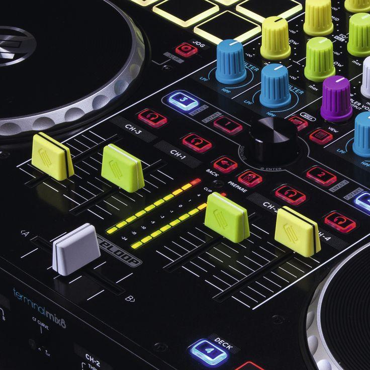 Reloop introduceert vette felgekleurde neon-style knoppen voor DJ mixer of controller. Met de Reloop Fader Knobs kun je je DJ apparatuur helemaal na eigen wens pimpen, door simpelweg de knoppen te ...